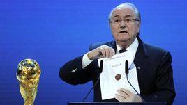 2 декабря 2010 года. Цюрих. Президент ФИФА Йозеф БЛАТТЕР называет Россию хозяйкой чемпионата мира-2018.