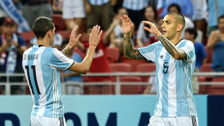 Леандро ПАРЕДЕС (справа) уже дебютировал в сборной Аргентины. Фото AFP