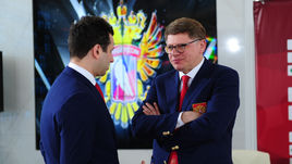 Дмитрий КУРБАТОВ (справа).