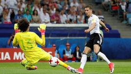 Сегодня. Сочи. Германия - Мексика - 4:1. Леон ГОРЕЦКА забивает второй гол в матче.