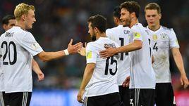 Сегодня. Сочи. Германия - Мексика - 4:1. Немцы празднуют выход в финал Кубка конфедераций.