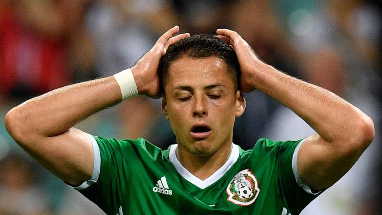 Нападающий сборной Мексики Хавьер ЭРНАНДЕС. Фото AFP