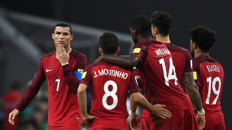 Португальская сборная в воскресенье не сможет рассчитывать на свою главную звезду КРИШТИАНУ РОНАЛДУ. Но и без него у чемпионов Европы есть на кого посмотреть. Фото AFP