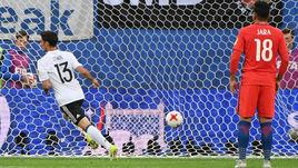 Воскресенье. Санкт-Петербург. Чили - Германия - 0:1. 20-я минута. Ларс ШТИНДЛЬ (№ 13) забивает победный гол.