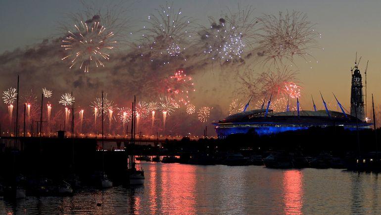 Воскресенье. Санкт-Петербург. Чили - Германия - 0:1. Салют в честь окончания Кубка конфедераций. Фото AFP