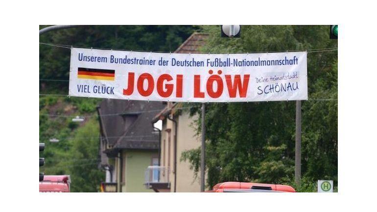 Йоахим Лев родом из села Шенау (округ Леррах в федеральной земле Баден-Вюртемберг) - едва ли не самой юго-западной точки Германии.