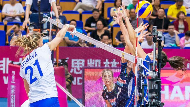 Сегодня. Россия - Италия - 2:3. Россиянки снова довели дело до тай-брейка, но не смогли вырвать первую победу. Фото FIVB