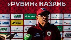 Сегодня. Казань. Курбан БЕРДЫЕВ общается с журналистами.