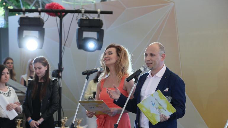 Ведущие Церемонии награждения Мурзилки International - Михаил БРАГИН и Татьяна ГОРДЕЕВА.