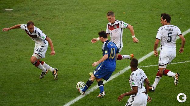 13 июля 2014 года. Рио-де-Жанейро. Германия - Аргентина - 1:0 д.в. Лионель МЕССИ так и не смог поразить ворота немцев. Фото AFP