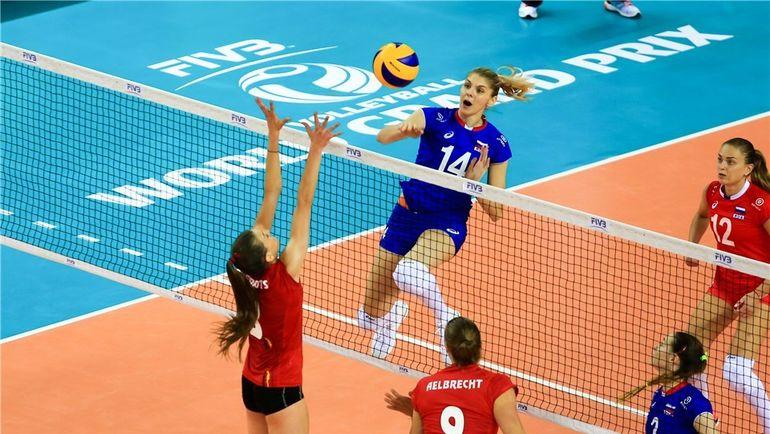 Профессиональным спортсменкам-волейболисткам с России удалось обыграть сборную по волейболу из Бельгии