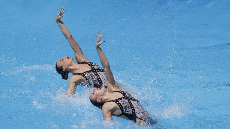 Сегодня. Будапешт. Светлана КОЛЕСНИЧЕНКО и Александра ПАЦКЕВИЧ выиграли золото. Фото AFP