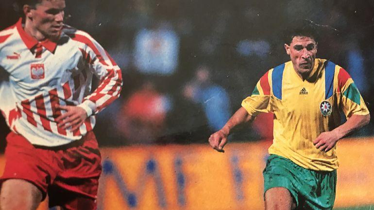 Вели КАСУМОВ (справа) в игре за сборную Азербайджана. Фото Из архива Вели Касумова