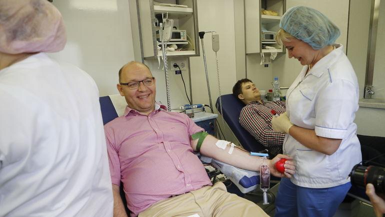 Сегодня. Москва. Илья ГЕРКУС в передвижной станции переливания крови.