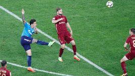 Сегодня. Санкт-Петербург. Себастьян ДРИУССИ (№11) забивает первый свой гол в этом матче.