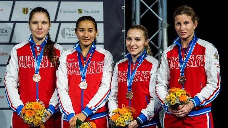 Сегодня. Лейпциг. Женская сборная России по фехтованию на рапирах - бронзовый призер чемпионата мира. Фото AFP
