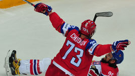 Максим ЧУДИНОВ и другие опытные игроки СКА в олимпийской сборной, похоже, для количества и на всякий случай.