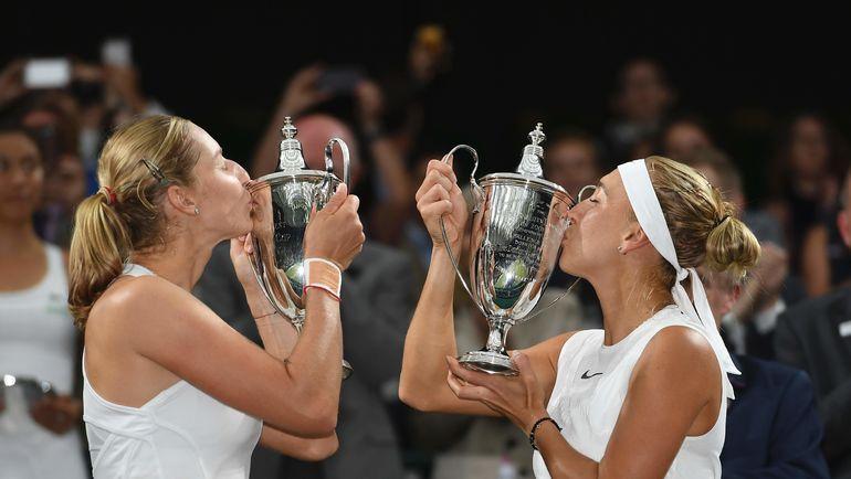 15 июля 2017 года. Екатерина МАКАРОВА (слева) и Елена ВЕСНИНА выиграли Уимблдон. Фото AFP