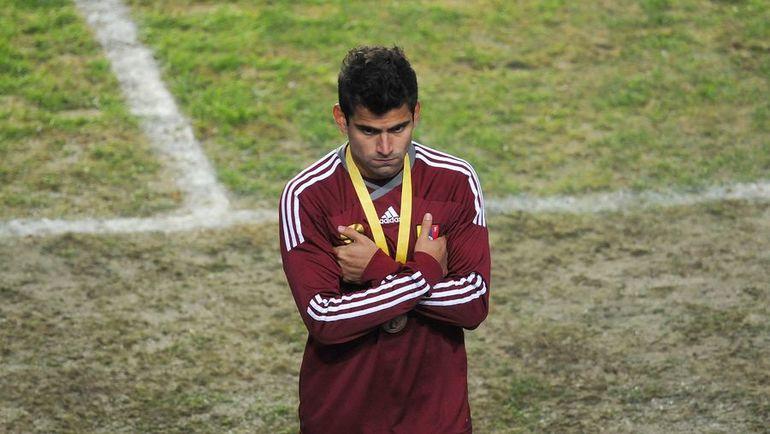 23 июля 2011 года. Перу - Венесуэла - 4:1. Томас РИНКОН после проигранного матча за третье место на Кубке Америки. Фото AFP