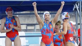 Сегодня. Будапешт. Канад - Россия - 9:11. Россиянки празднуют победу в матче за третье место чемпионата мира.