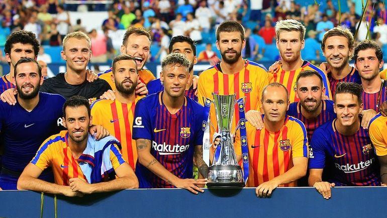 """Сегодня. Майами. """"Реал"""" - """"Барселона"""" - 2:3. Каталонская команда с трофеем. Фото AFP"""