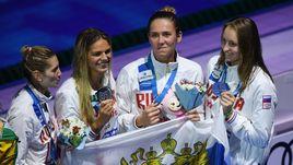 Капитан сборной России Анастасия ФЕСИКОВА (вторая справа).