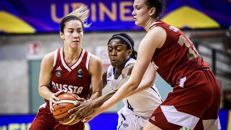 Виктория ЗАВЬЯЛОВА (слева). Фото FIBA