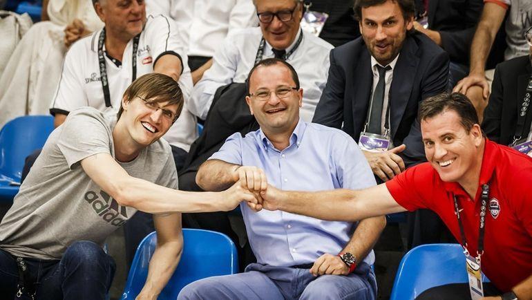 Андрей КИРИЛЕНКО (слева) присутствовал на матче. Фото FIBA