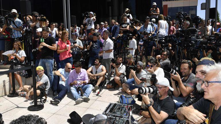 Журналисты ожидают окончания слушания дела Криштиану Роналду. Фото AFP