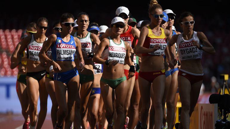 На совместный с мужчинами старт женской ходьбы на 50 км на чемпионате мира в Лондоне выйдут всего семь участниц. Фото AFP