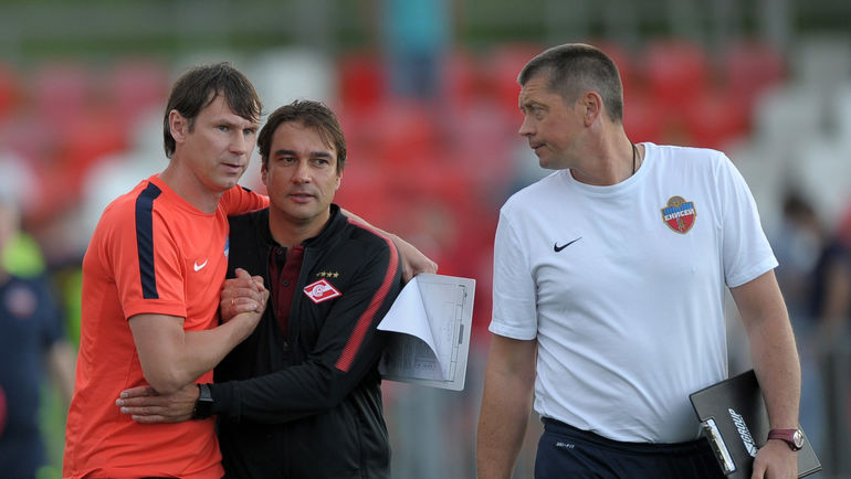 """Егор ТИТОВ (слева), Дмитрий ГУНЬКО (в центре) и Валерий КЛЕЙМЕНОВ. Фото Федор УСПЕНСКИЙ, """"СЭ"""""""