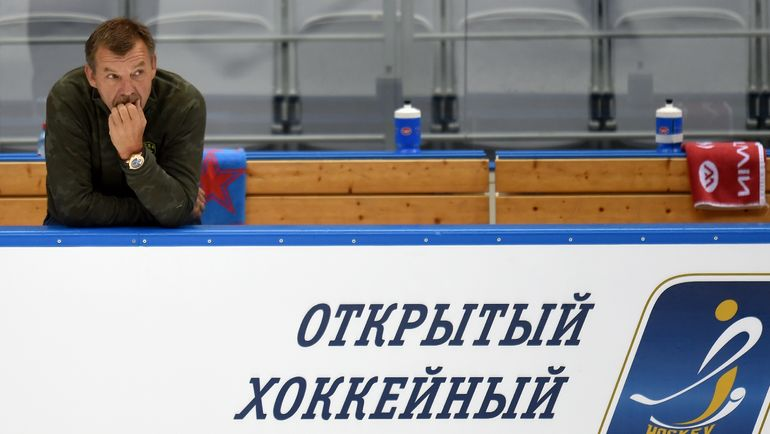Сегодня Олег ЗНАРОК сразится с олимпийской сборной России, в составе которой выступают сразу шесть хоккеистов СКА. Фото Юрий КУЗЬМИН, photo.khl.ru