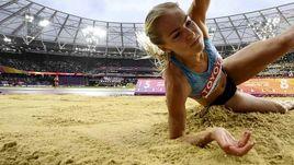 Вчера. Лондон. Дарья КЛИШИНА в лучшей попытке улетела на 6,66 м.