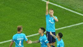 """Сегодня. Санкт-Петербург. """"Зенит"""" – """"Ахмат"""" – 4:0. Александр КОКОРИН (в центре) празднует гол в ворота гостей."""