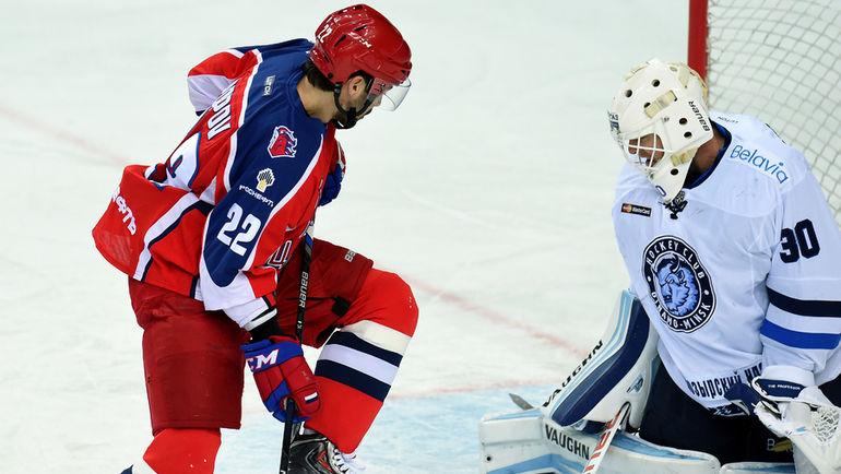 Бен СКРИВЕНС (справа) теперь будет играть в Уфе. Фото Владимир БЕЗЗУБОВ, photo.khl.ru