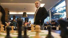7 сентября 2011 года. Порту-Алегри. Гроссмейстер Гарри КАСПАРОВ проводит сеанс одновременной игры.