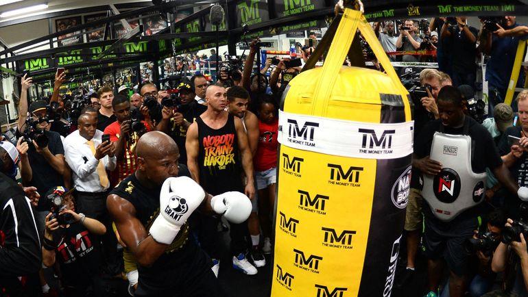Флойд МЕЙУЭЗЕР готовится к самому дорогому бою в истории бокса. Фото USA Today