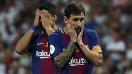 """Среда. Мадрид. """"Реал"""" - """"Барселона"""" - 2:0. Луис СУАРЕС (слева) и Лионель МЕССИ не смогли одолеть принципиального соперника."""