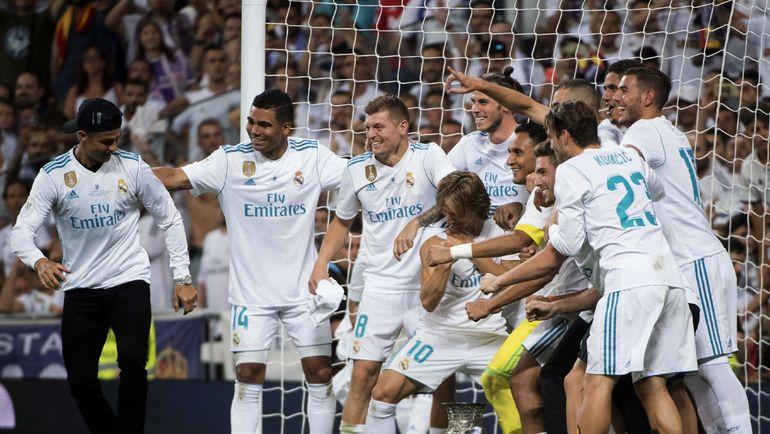 """Вчера. Мадрид. """"Реал"""" - """"Барселона"""" - 2:0. """"Сливочные"""" отмечает победу в Суперкубке Испании. Фото AFP"""