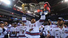"""Многие эксперты еще в начале прошлого сезона прогнозировали финал СКА - """"Магнитка""""."""