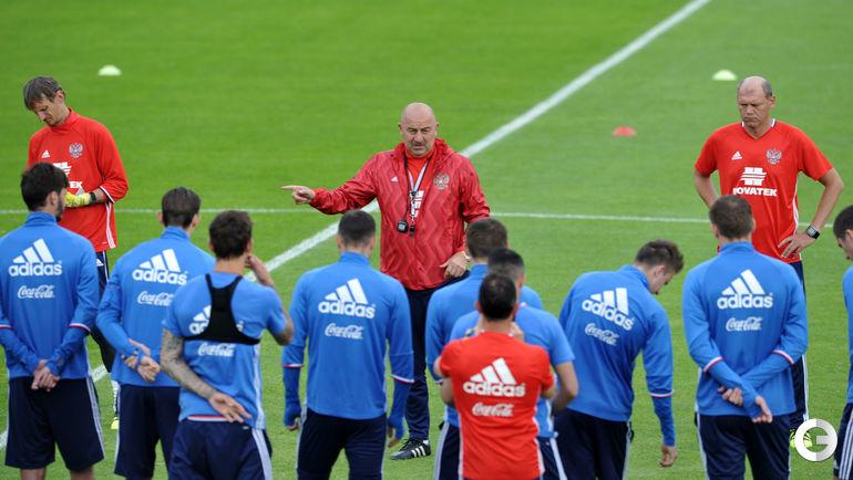 Станислав ЧЕРЧЕСОВ выбрал 23 игроков для сентябрьского сбора.