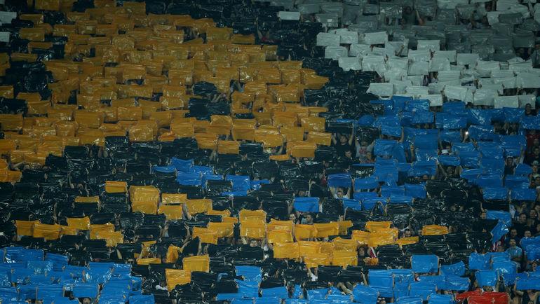 """Четверг. Белград. """"Црвена Звезда"""" - """"Краснодар"""" - 2:1. Предматчевый перфоманс сербских болельщиков. Фото AFP"""