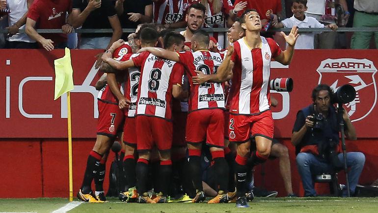"В субботу на стадионе ""Монтиливи"" в Жироне встретятся две испанские команды с арабскими хозяевами. Фото AFP"