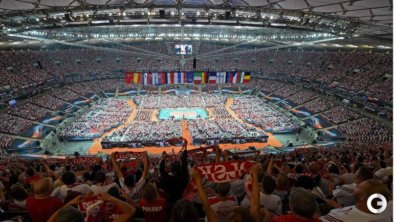 Вчера. Варшава. Чемпионат Европы по волейболу. Церемония открытия.