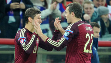 Федор СМОЛОВ (слева) и Артем ДЗЮБА. Фото Алексей ИВАНОВ