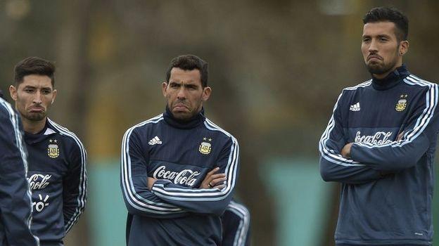 Трансферная сага Эсекиэля ГАРАЯ (справа) никак не завершится. Фото AFP