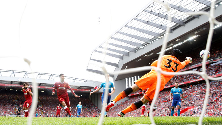 """Сегодня. Ливерпуль. """"Ливерпуль"""" - """"Арсенал"""" - 4:0. 17-я минута. Гол Роберту Фирмину. Фото REUTERS"""