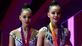 Дина (справа) и Арина АВЕРИНЫ.