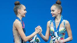 Дина АВЕРИНА (слева) и Арина АВЕРИНА.