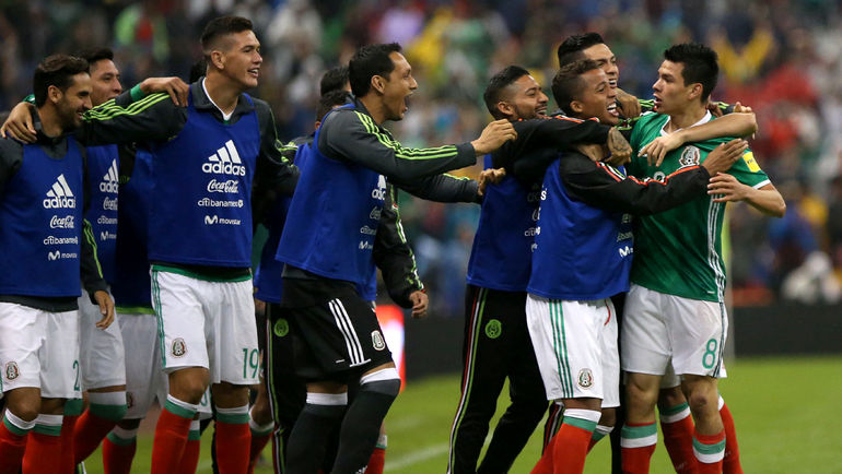 Мексиканцы празднуют выход на чемпионат мира в России. Фото REUTERS